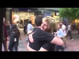 ¿Me abrazas?: los beneficios de un gesto tan sencillo.